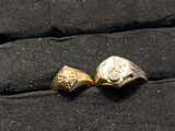 2 Antique gold rings