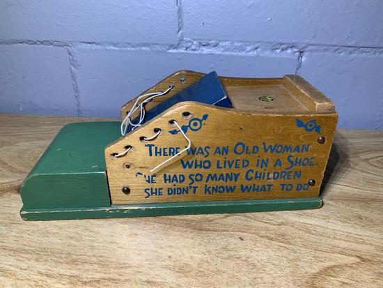 VIntage Holgate Toys Wood Woman & 14 Kids in Shoe