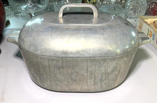 Vintage Wagner Ware Magnalite Dutch Oven
