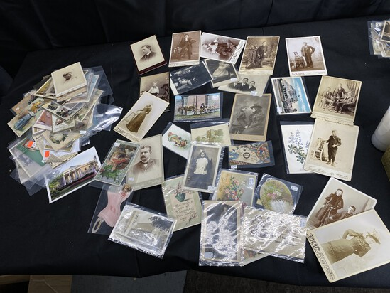 Large lot of antique photographs, advertising
