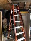 Nice Fiberglass 8' Ladder