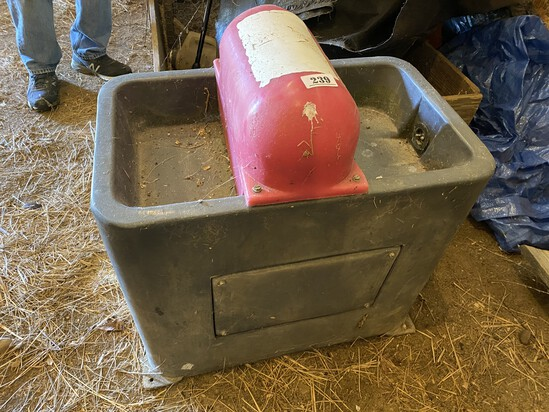 Plastic Waterer With Heater