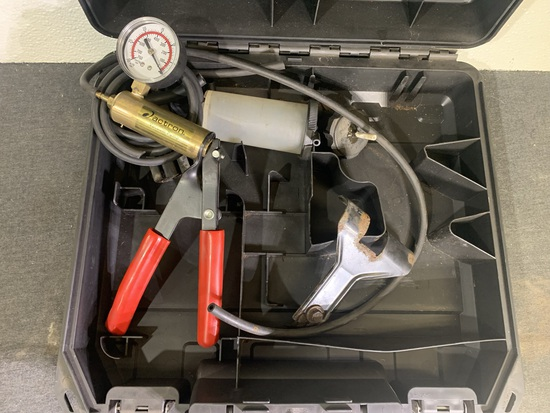 Actron Vacuum Pump with Case