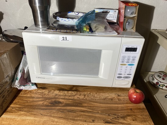 White Microwave by Emerson