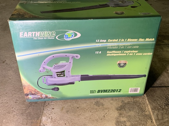 Earthwise 12 Amp Corded 3 in 1 Blower-Vac-Mulch.  Model BVM22012.  New in Box