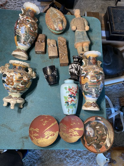 Group lot of Vintage Japanese and Chinese items