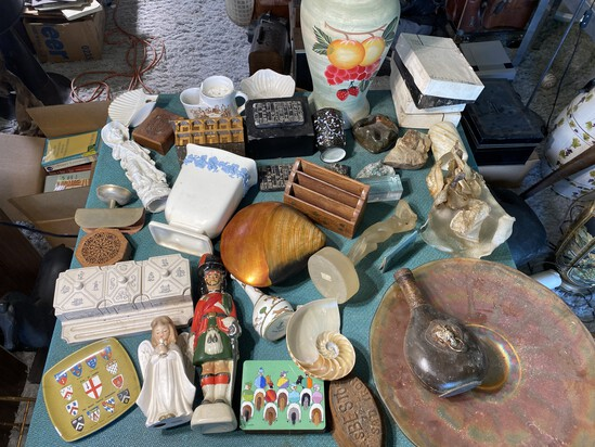 Table lot of assorted Vintage Decorative Items
