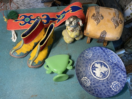 Group lot of Better Antique Chinese Items