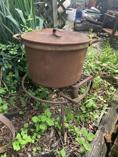 Iron Pot with Burner