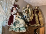 2 Angle Dolls & 4 Dolls