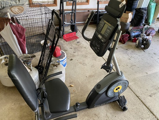 Gold's Gym recumbent exercise Bicycle
