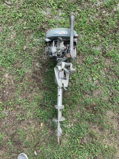 Vintage Evinrude Outboard Motor.  See Photos.