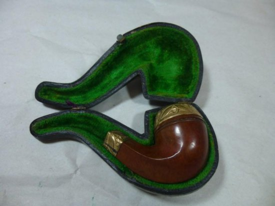 Antique Pipe With Gold Filled Trim In Case
