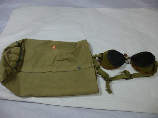 Pair Of Vintage Military Snow Goggles W/fur In Bag