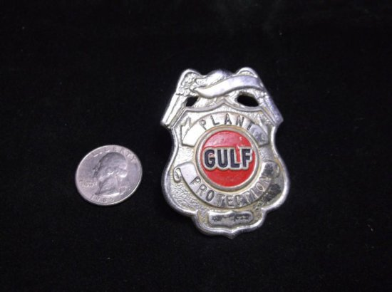 Rare Vintage Gulf Oil Plant Protection Badge