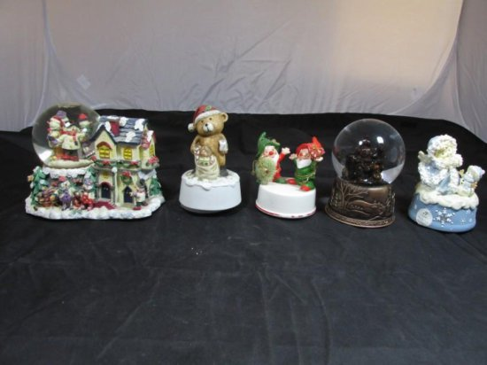 Group lot of 5 Christmas or Winter Themed Snow Globes
