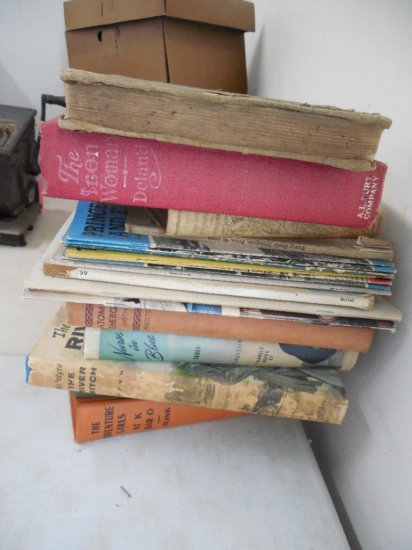 Large Group Lot Of Old Books And Magazines
