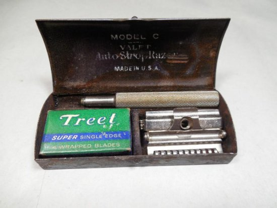 Model O Valet Auto Strop Safety Razor In Box With Accessories