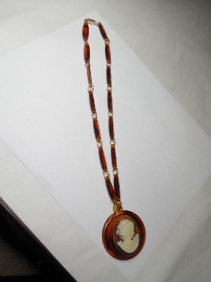 Unusual Brown Plastic Retro Cameo Necklace