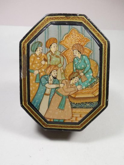 Antique Indian Painted Trinket Box Lacquer Scene Of Men