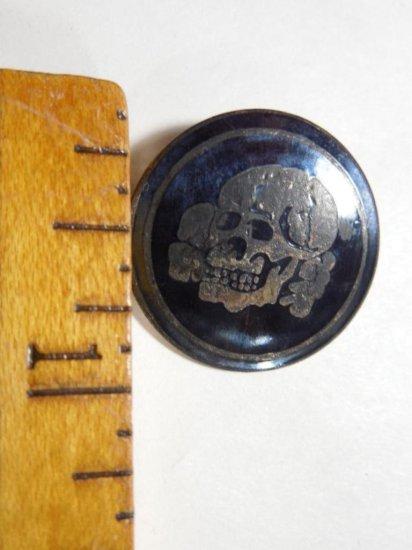 Unusual Death's Head Skull Metal Pin Back Button Ss