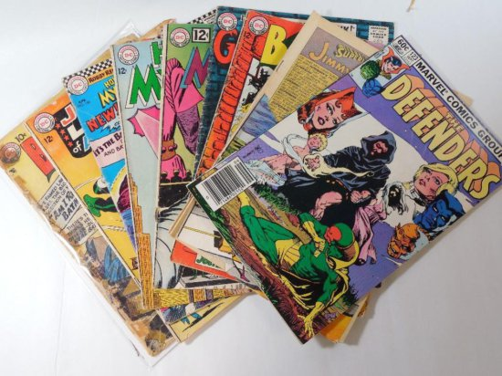 Large Group lot of Vintage Comic Books