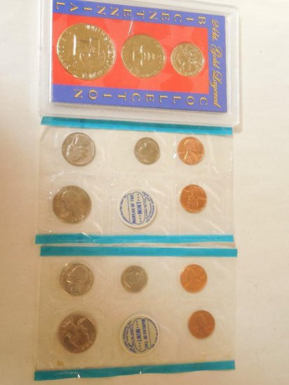 2 Mint Sets And A Bicentennial Coin Collection