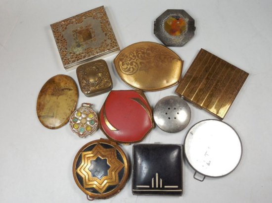 Group Lot Of 12 Articles Inc. Many Old Compacts