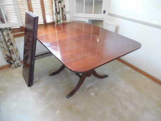 Excellent Vintage Mahogany Dinging Table W/three Leaves