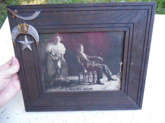 Unusual Masonic Frame w/Mason Photo