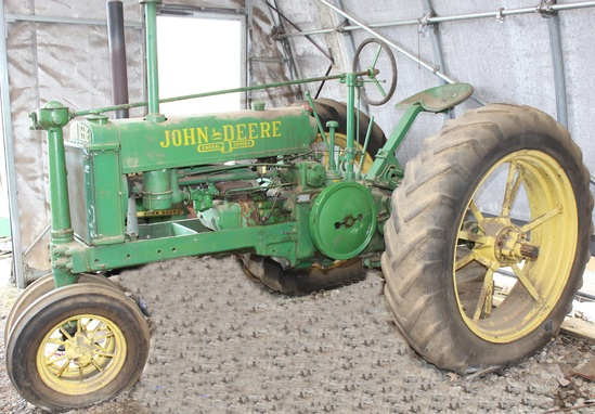1936 JD B tractor, unstyled, Serial No. 19136
