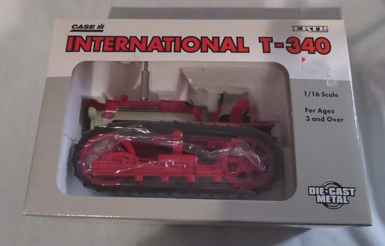 INTERNATIONAL T-340 CRAWLER - NEW IN BOX