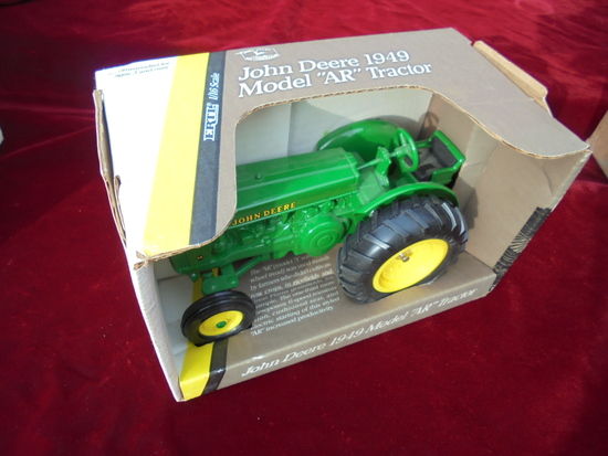 "NEW IN BOX JOHN DEERE 1/16 SCALE TOY MODEL ""AR"" TRACTOR"