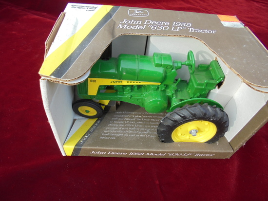 TOY JOHN DEERE 1/16 SCALE ''1958 630 LP TRACTOR' NEW IN BOX