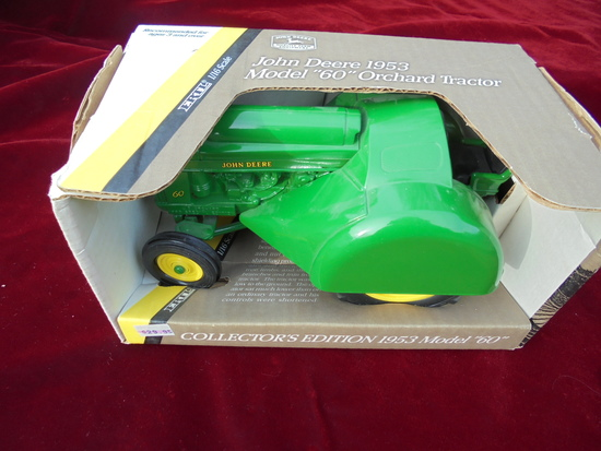 NEW IN BOX TOY JOHN DEERE 1953 '60' ORCHARD TRACTOR