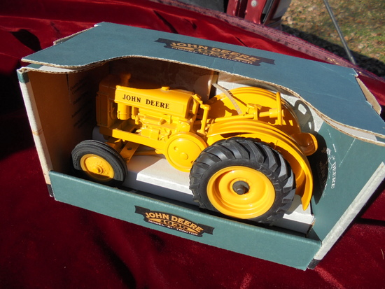 "NEW IN BOX TOY JOHN DEERE MODEL ""BI"" TRACTOR-GREAT BOX"