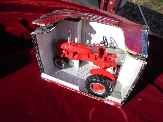 "NEW IN BOX TOY FARMALL ""B"" TRACTOR"