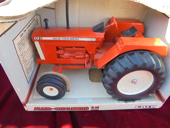 "ALLIS CHALMERS ""D-21"" TOY TRACTOR STILL IN THE BOX"