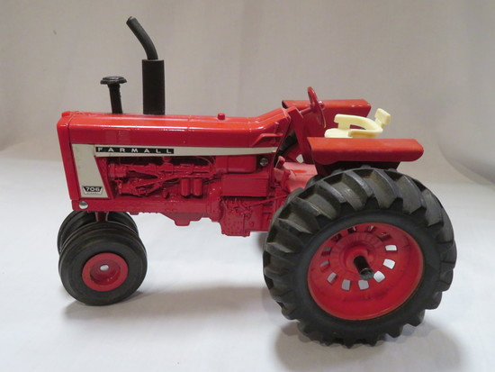 FARMALL 706 DIESEL - NARROW FRONT