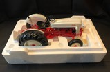 FRANKLIN MINT 1/12 SCALE - 1953 FORD TRACTOR