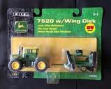 JOHN DEERE 7520 W/ WING DESK - ERTL 1/64 SCLAE