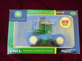 1/32 SCALE NEW IN BOX JOHN DEERE 7020 4WD TOY TRACTOR---NICE BOX