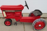 INTERNATIONAL PEDAL TRACTOR