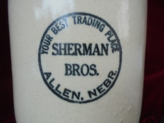 """STUNNING OLD """"SHERMAN BROS"""" ALLEN NEBRASKA ADVERTISING CROCK JUG-NEAR MINT"""