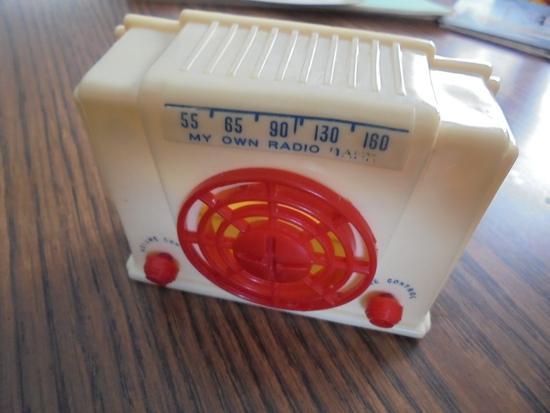 "1940'S HARD PLASTIC ""RADIO"" COIN BANK-NEAT DETAILS"