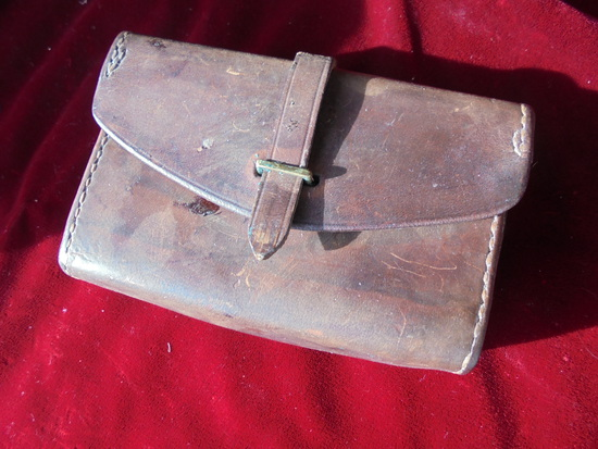 OLD WORLD WAR ONE LEATHER BELT SHELL BOX-JEWEL 1918 STAMP