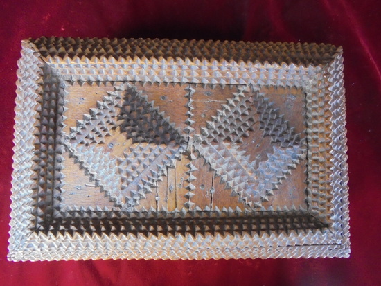 """ANTIQUE """"TRAMP ART"""" BOX-EXTREME DETAIL AND DESIGN-VERY NICE"""