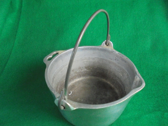 """OLD """"WAGNER WARE"""" ALUMINUM POT WITH WIRE BAIL HANDLE-GREAT BOTTOM MARK"""