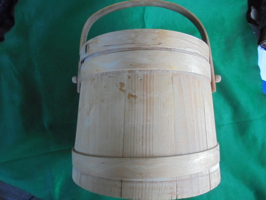 PRIMITIVE WOODEN BUCKET WITH LID AND HANDLE-QUITE NICE & CLEAN