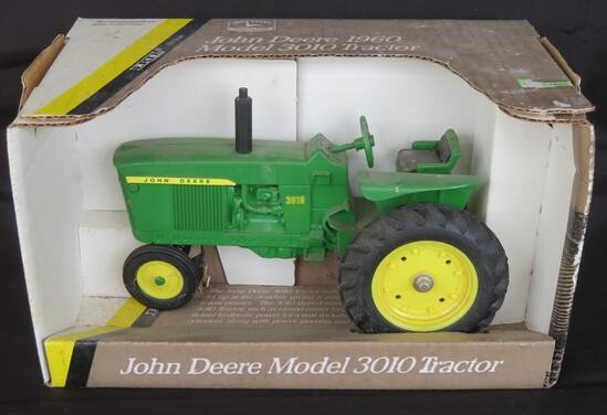 JOHN DEERE 3010 - SHELF MODEL